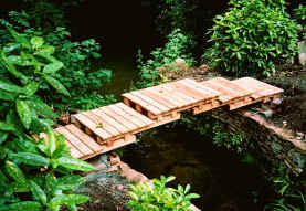 Charmant Japanese Style Garden Bridge
